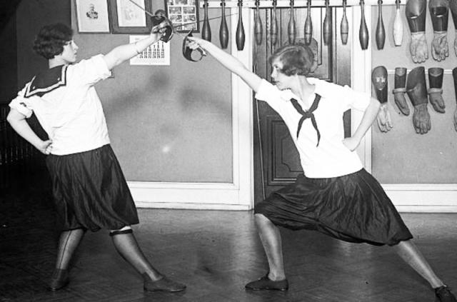 Western High School Fencing Club, 1925. Library of Congress.